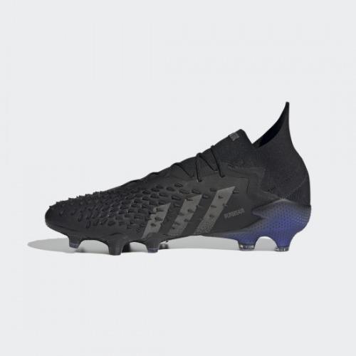 adidas【アディダス】のサッカースパイク